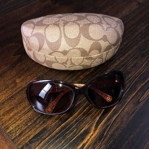 Coach Accessories - Coach Thompson sunglasses with Case. GUC